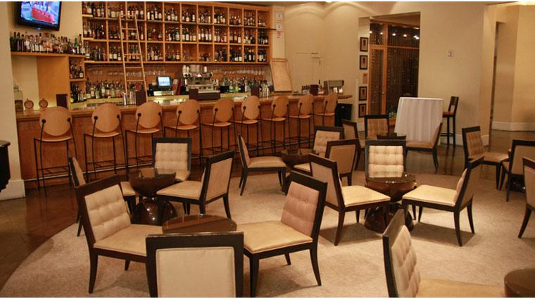 PropertyImage TheVenetian LasVegas Restaurant DelmonicoSteakhouse Style Bar 1 CreditTheFiveStarTravelCorporation