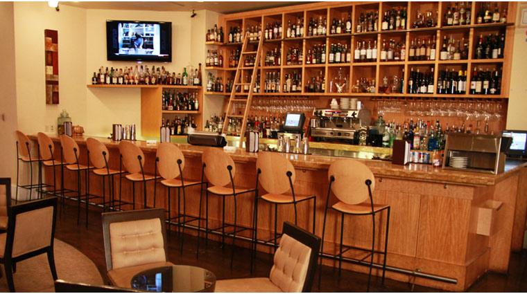 PropertyImage TheVenetian LasVegas Restaurant DelmonicoSteakhouse Style Bar 2 CreditTheFiveStarTravelCorporation