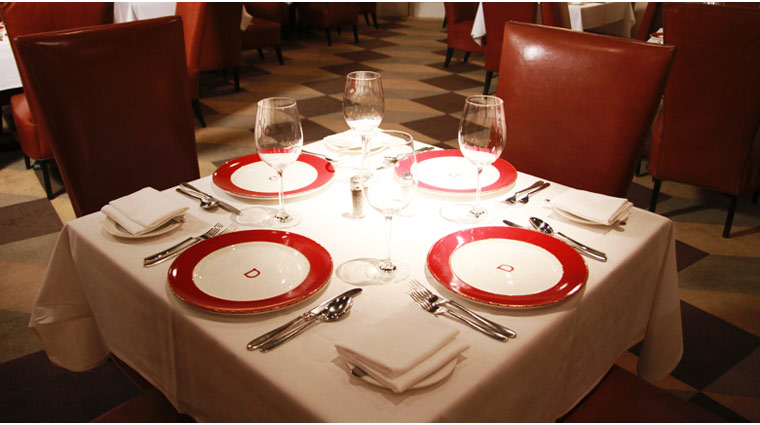 PropertyImage TheVenetian LasVegas Restaurant DelmonicoSteakhouse Style PlaceSetting CreditTheFiveStarTravelCorporation