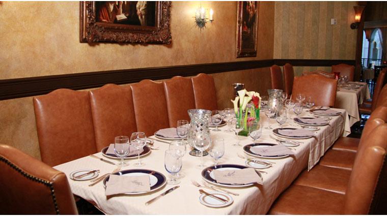 PropertyImage TheVenetian LasVegas Restaurant Zeffirino Style TableSetting CreditTheFiveStarTravelCorporation