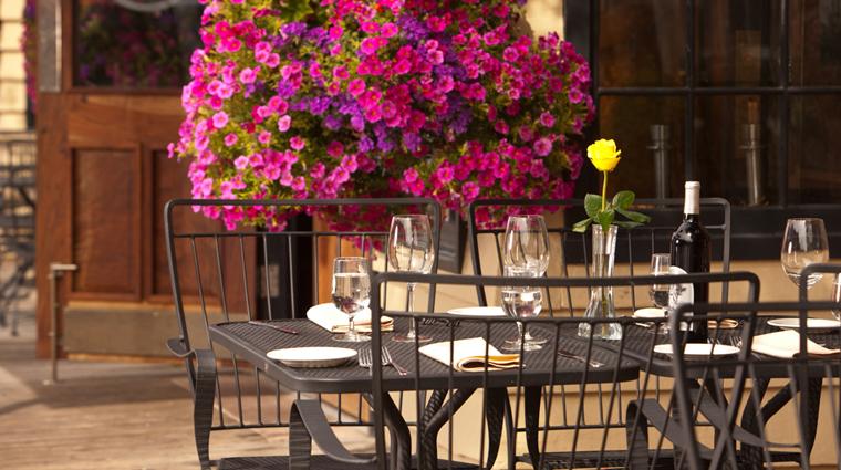 PropertyImage TheWortHotel Hotel Restaurant SilverDollarBarandGrill OutsideDining CreditTheWortHotel