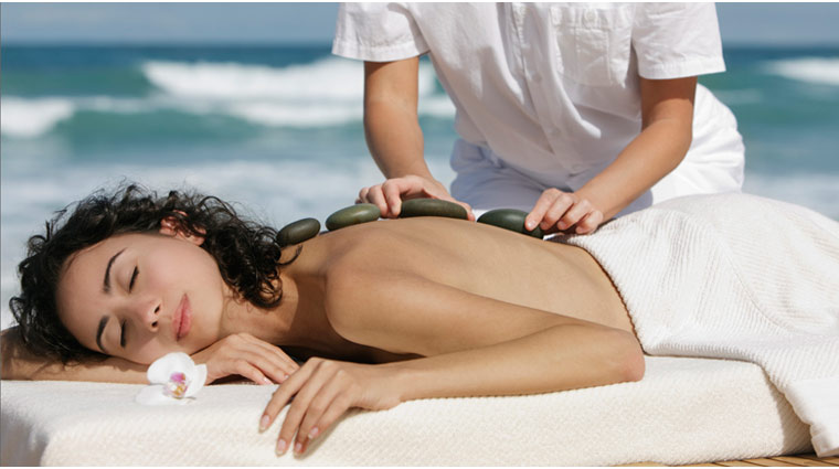 PropertyImage TrumpInternationalBeachResort Miami Spa AquanoxSpa Treatment MassageOnTheBeach CreditTrumpIntlBeachResort