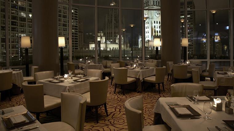 PropertyImage TrumpInternationalHotelAndTowerChicago Hotel Restaurant Sixteen Interior DiningRoom CreditTrumpInternationalHotelAndTowerChicago