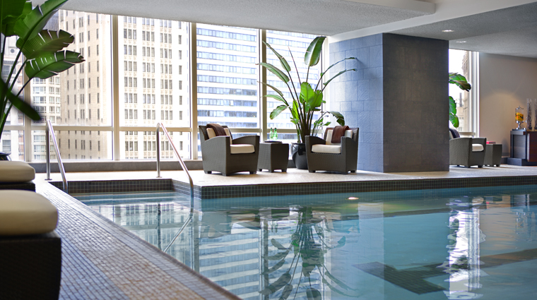 PropertyImage TrumpInternationalHotelAndTowerChicago Hotel Spa Pool Loungers CreditTrumpInternationalHotelAndTowerChicago