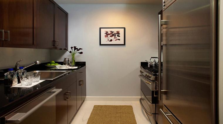 PropertyImage TrumpInternationalHotelandTower NewYork Hotel GuestroomSuites ExecParkViewSuite Kitchen CreditTrumpInternationalHotelandTower