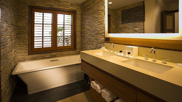 PropertyImage VillasofGrandCypress Hotel GuestroomandsSuites VillaBathroom CreditBenchmarkHospitalityInternational