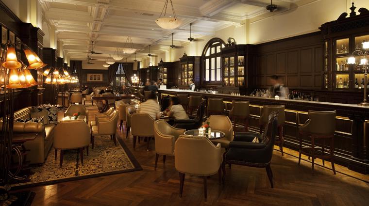 PropertyImage WaldorfAstoriaShanghaiOnTheBund Shanghai Hotel BarLounge LongBar Interior CreditHiltonWorldwide