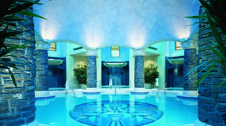 PropertyImage WillowStreamSpaAtTheFairmontBanffSprings Alberta Spa Style Pool CreditFairmontHotelsAndResorts