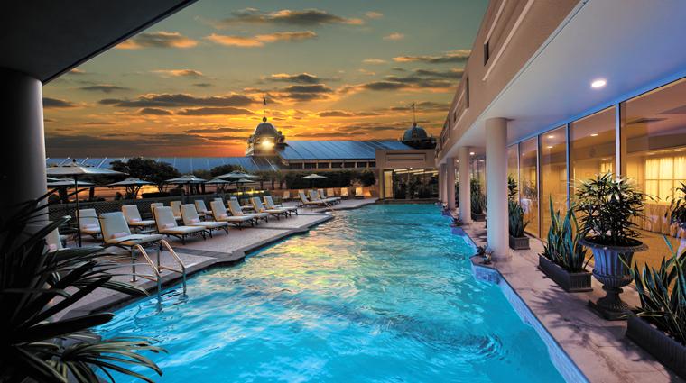 PropertyImage WindsorCourtHotel Hotel Pool CreditMarcoRicca