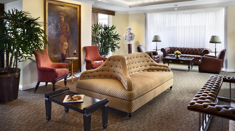 PropertyImage WindsorCourtHotel NewOrleans Hotel LoungeBar PoloLoungeSeatingArea2 Credit MarcoRicca