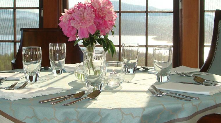 PropertyImages BlairHillInn Hotel Restaurant BlairHillInn TableDetail 2 CreditBlairHillInn