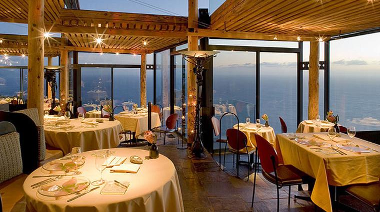 PropertyImages SierraMar MontereyCarmelBigSur Restaurant Interior CreditPostRanchInn