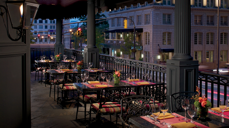PropertyImages TheRitzCarltonAtlanta Hotel Restaurant AtlantaGrill Veranda CreditTheRitzCarltonHotelCompany