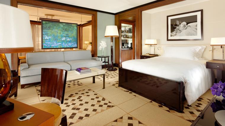 Property 45ParkLane 4 Hotel GuestroomsSuites Bedroom CreditNiallClutton