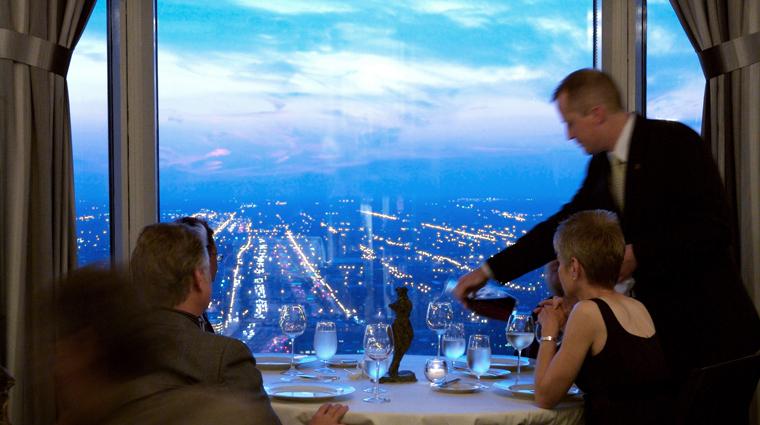 Property Everest Chicago Restaurant Style creditEverest