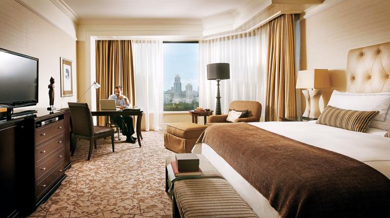 Property FourSeasonsSingapore Singapore Guestroom PremierRoom creditFourSeasonsSingapore