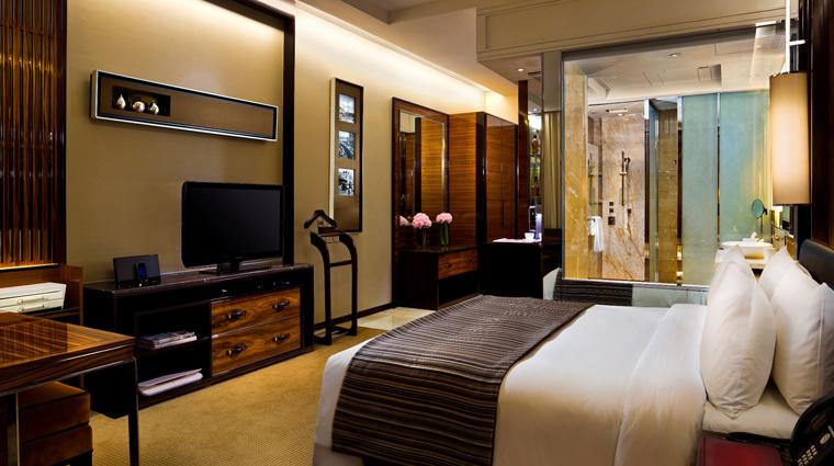 Property FullertonBayHotel Singapore Hotel Guestroom creditFullertonBayHotelSingapore