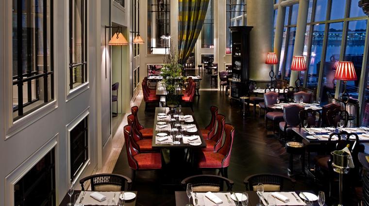 Property FullertonBayHotel Singapore Restaurant Clifford creditFullertonBayHotelSingapore