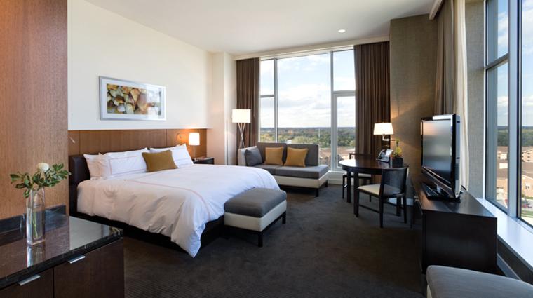 Property HotelArista 2 Hotel GuestroomsSuites GranLuxeCornerKing CreditCalamosPropertyHoldingsLLC