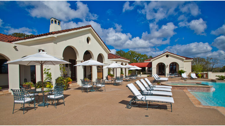 Property InnAtDosBrisas Texas Hotel Pool creditFiveStarTravelCorporation