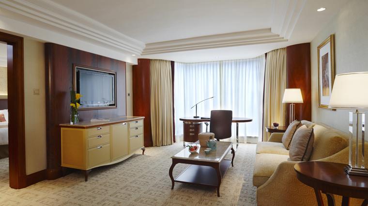 Property KowloonShangriLa HongKong Hotel Suite2 creditKowloonShangriLa