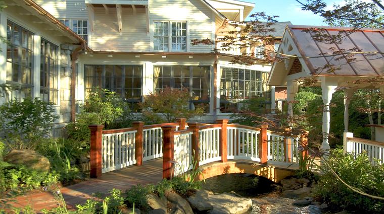 Property MadisonsRestaurantandWineGarden Restaurant Basics GradenBridge CreditOldEdwardsInnandSpa