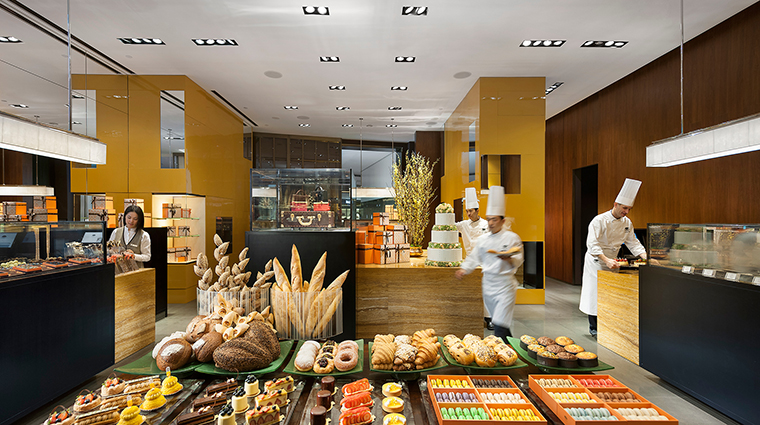 Property MandarinOrientalGuangzhou Hotel Dining FineDiningCakeShop CreditMandarinOrientalGuangzhou