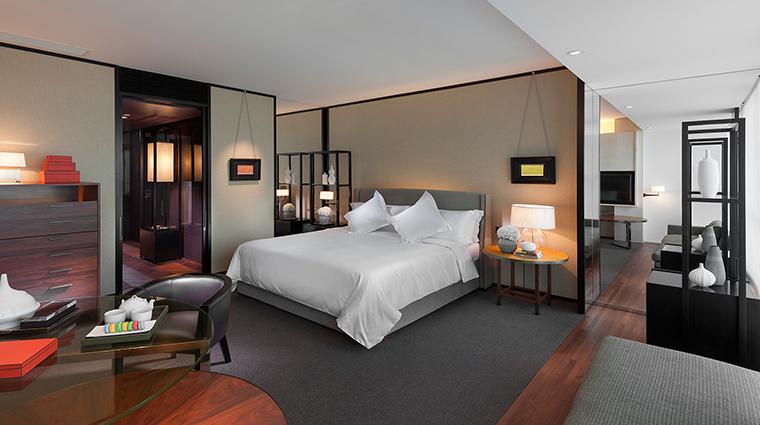 Property MandarinOrientalGuangzhou Hotel GuestroomSuites ClubDeluxeRoom CreditMandarinOrientalGuangzhou