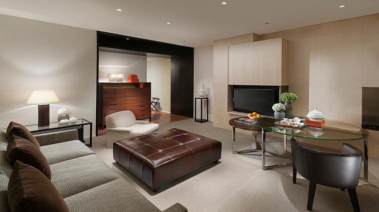 Property MandarinOrientalGuangzhou Hotel GuestroomSuites ClubPremierSuite CreditMandarinOrientalGuangzhou