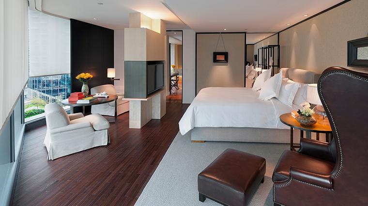 Property MandarinOrientalGuangzhou Hotel GuestroomSuites ExecutiveSuite CreditMandarinOrientalGuangzhou