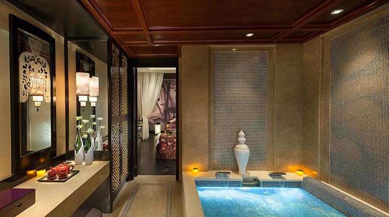 Property MandarinOrientalGuangzhou Spa Spa CouplesSuiteWetFacilities CreditMandarinOrientalGuangzhou