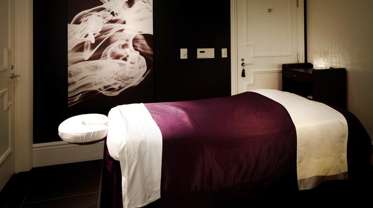 Property QuartzCrystalSpa 3 Spa Style MassageTreatmentRoom CreditJohnNarvalli