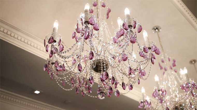 Property QuartzCrystalSpa 9 Spa Style Reception ChandelierDetail CreditChrisWardle