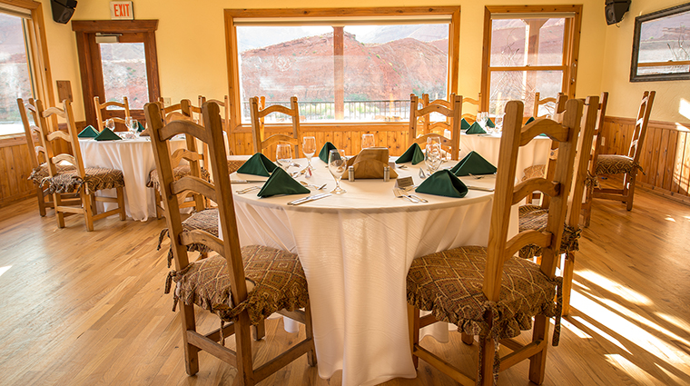 Property RiverGrillRestaurant Restaurant Tables CreditSorrelRiverRanch