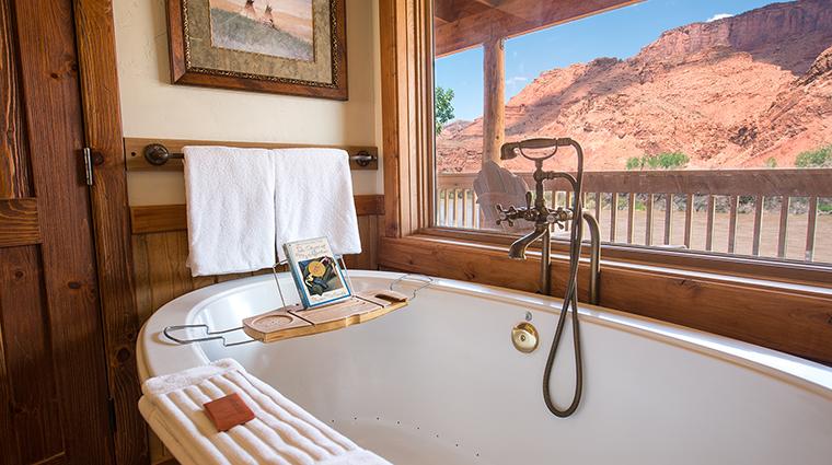 Property SorrelRiverRanch Hotel GuestroomsSuites Bathroom CreditSorrelRiverRanch