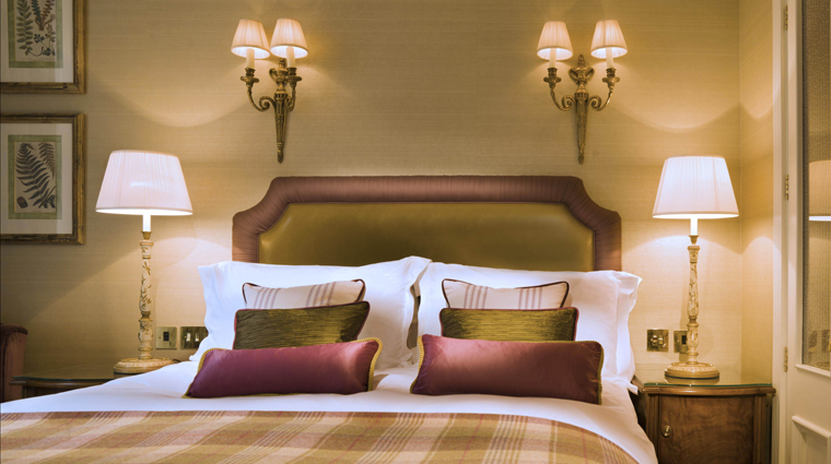 Property StaffordLondonByKempinski 3 Hotel GuestroomsSuites ClassicQueen Bedroom CreditKempinski