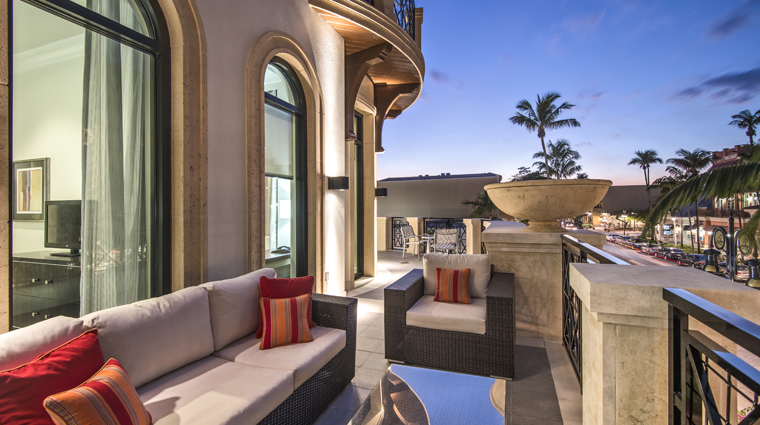 Property TheInnOnFifth 3 Hotel GuestroomsSuites PresidentialSuite Balcony CreditDougThompson