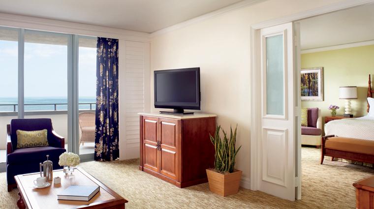 Property TheRitzCarltonAmeliaIsland Hotel GuestroomSuites OneBedroomSuite LivingRoom Credit ChristopherCypert