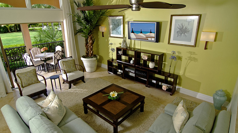 Property TheSomerset Hotel GuestroomsSuites GardenVillaLivingRoom TheSomersetonGraceBay