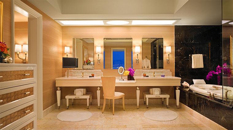 Propery WynnMacauWynn Hotel 3 GuestroomSuite OneBedroomSuite Bathroom CreditBarbaraKraft