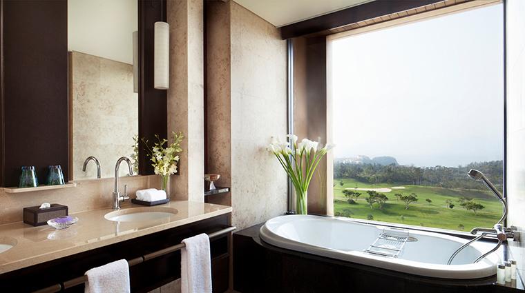 Ritz Carlton Okinawa guestroom bathroom