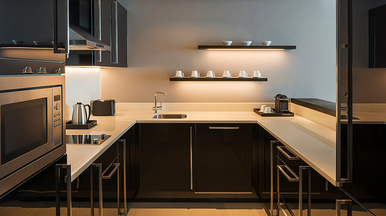 Sheraton Grand Hotel Dubai one bedroom apartment kitchen