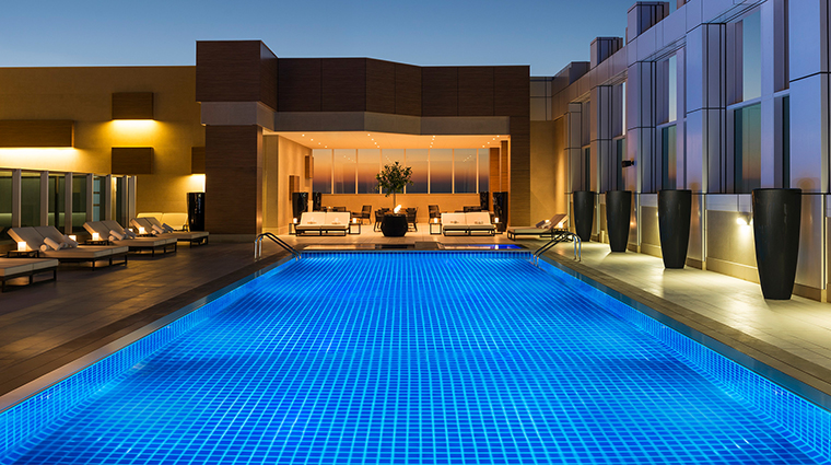 Sheraton Grand Hotel Dubai pool