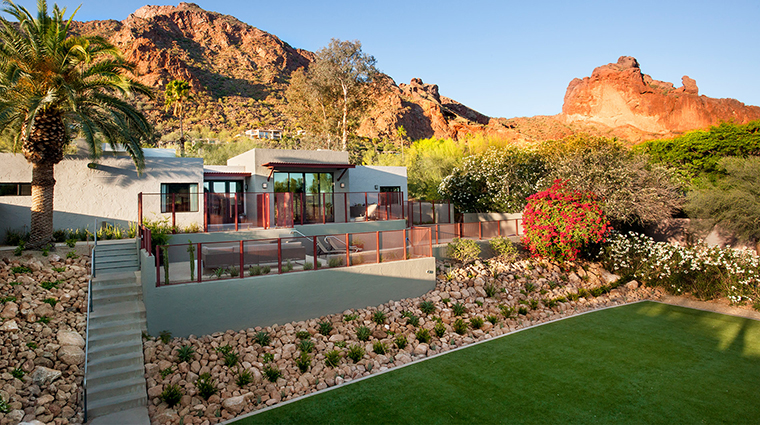 The Sanctuary on Camelback Mountain Resort and Spa backyard