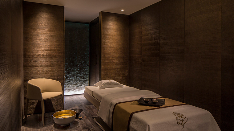 The Spa at Four Seasons Ten Trinity Square Treatment Room2