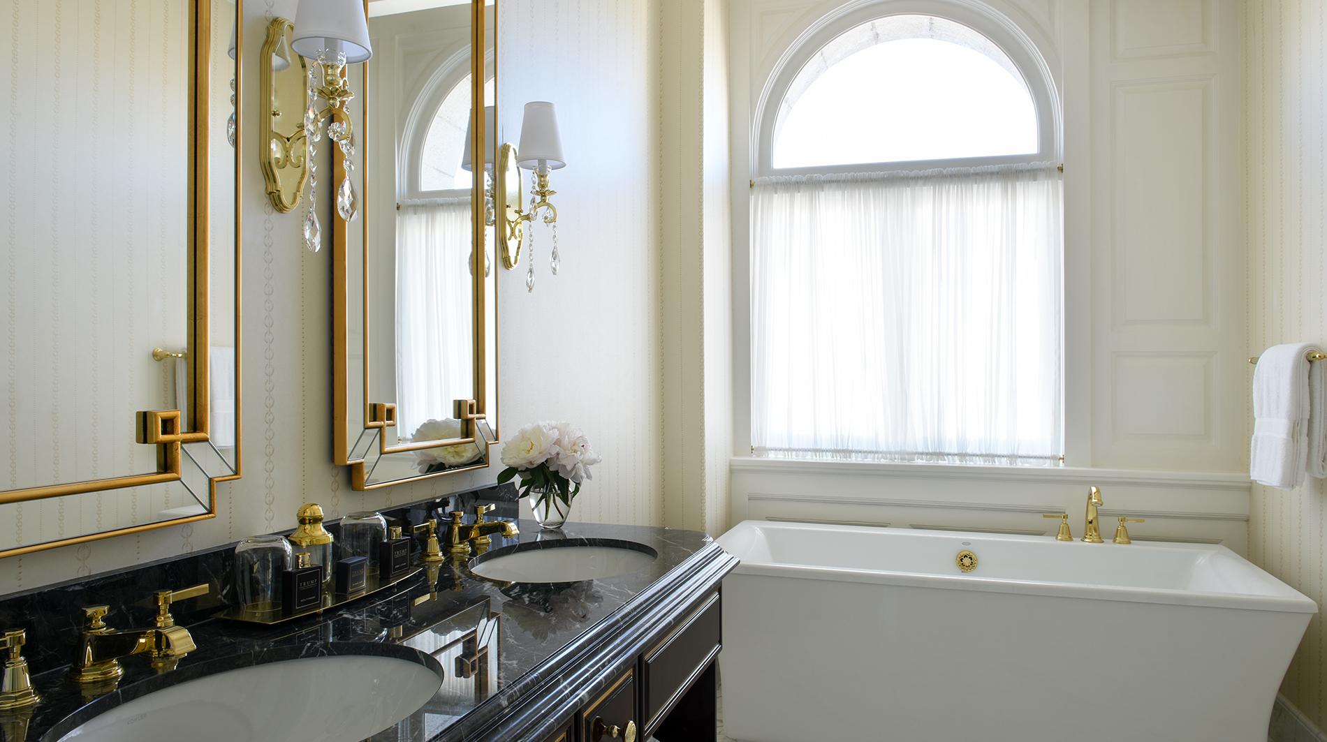 Trump international hotel washington dc Benjamin guest room bathroom
