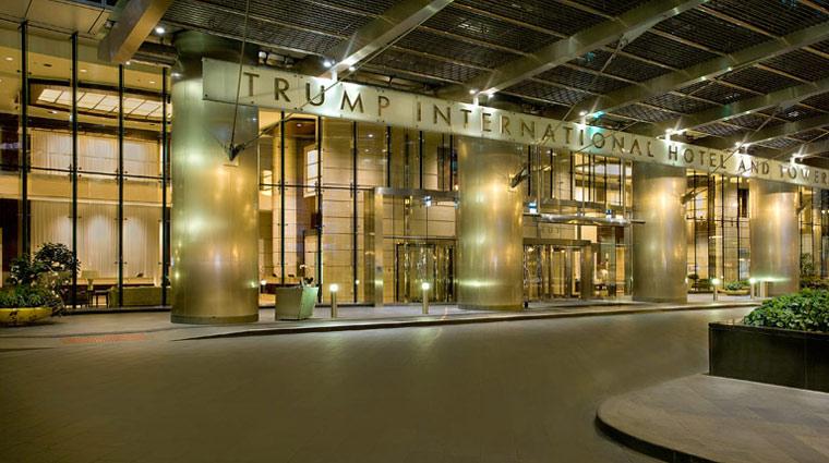 TrumpIntlHotelTowerChi Entrance 1 PR