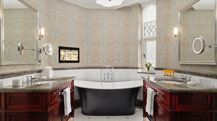 adare manor hotel and golf resort one bedroom suite bathroom