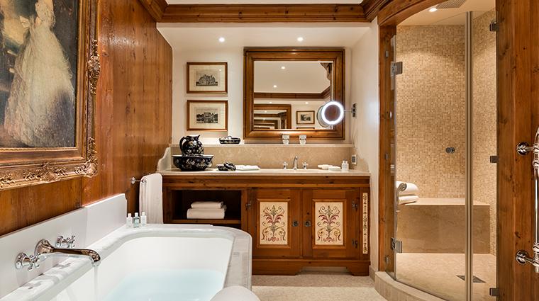 les airelles Suite Gentiane bathroom