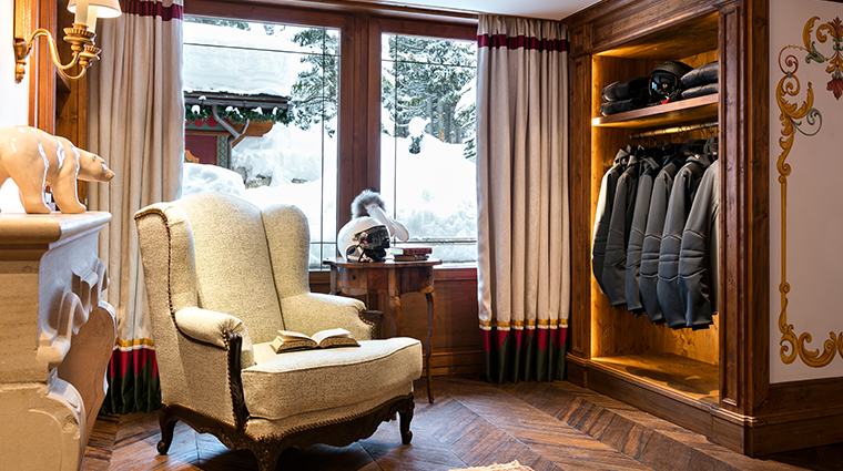 les airelles ski room